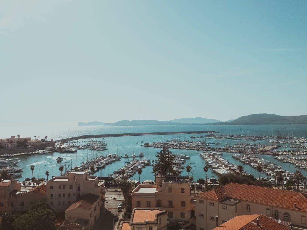 Rimandare il sogno per affrontare il presente – Selene e la ristorazione in Sardegna